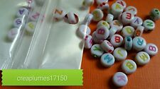 Lot de 50 perles alphabet acrylique multicolore 7x3.5mm