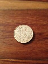 2015 THE ROYAL ARMS  £1 ONE POUND COIN. NEW VERSION.