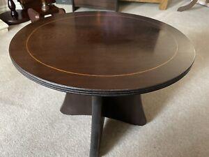 Beautiful Oval Top Mahogany Coloured Side Or Sofa Table