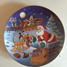Disney Mickey Holiday Magic Series Pluto Santa Collector Plate