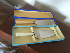 TWO LOVELY BOXED PIE/ CAKE SLIDES ONE WITH A MOTHER OF PEARL HANDLE