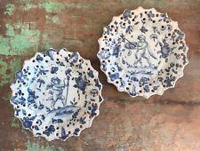More details for pair of antique italian cantagalli maiolica putti plates, blue white cherub