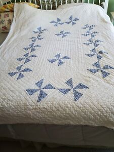 """Vintage Older Hand Made & Hand Quilted 68"""" x 78"""" Blue Windmills Quilt"""