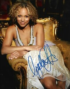Angela Griffin Signed 10x8 Photo AFTAL