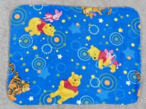 FLEECE STANDARD (TWIN) PILLOW COVER- POOH, TIGGER AND PIGLET NIGHTTIME