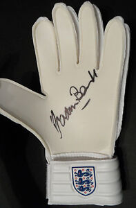 GORDON BANKS Signed In Person GOALKEEPERS GLOVE World Cup 1966 & STOKE CITY COA