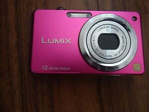 PANASONIC LUMIX DMC-FS10 12.MP pink Digital Camera, battery & charger- Cost £200