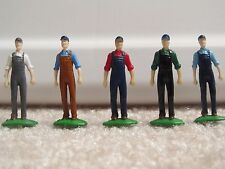 1/64 Ertl Farm Country standing farmer figurine
