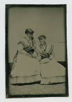 PRETTY WOMEN IN VICTORIAN DRESSES - 1860s TINTYPE VTG FASHION PORTRAIT PHOTO ART