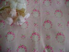 Schöne Yuwa Live süße kleine Kränze Rosen Streifen rosa und creme