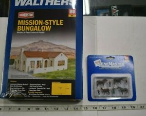 Lot 5-73 * HO Scale Walthers 933-3785 Bungalow & 949-6028 Horses & Groomers