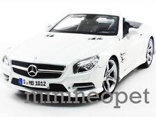 MAISTO 31196 2012 12 MERCEDES BENZ SL 500 SL500 CONVERTIBLE 1/18 DIECAST WHITE