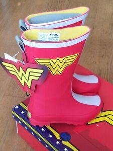 DC Comics Girls Wonder Woman Classic tall Rain Boots, size girls youth 3,NIB