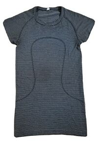 Lululemon Size 4 Fitted Stretch Tee T Shirt Gym Running Yoga Exercise Top Stripe