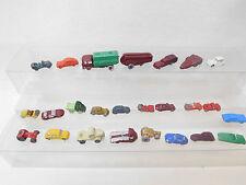 eso-50591:160 kuriose Gipsguß Auto Modelle