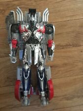 Transformer Leader Class Platinum Edition Silver Knight Optimus Prime