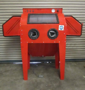 Sand Blast Cabinet New Style SBC350 fitted with 2 Blasting Guns & Dust Extractor