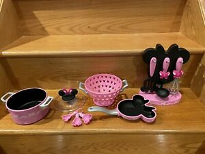 Disney Minnie Mouse Toy Cooking Play Set 12 Pieces: Pot, Pan, Whisk,Strainer Etc