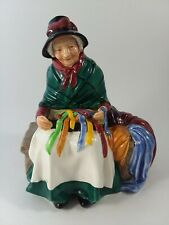 """Royal Doulton Figurine Silks And Ribbons Hn 2017 Old Elderly Woman 6 1/4"""""""