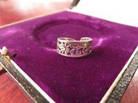 Winziger 925 Silber Ring Fein Floral Blume Zehenring Durchbrucharbeit Sterling