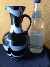 Glas Kristall VASE HENKELVASE KRUG 25 cm schwarz weiß ÜBERFANG mundgeblasen