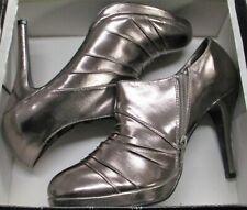 Women's Shoes Newport News Size 9.5 Pewter Metallic Heels Highheel Bootie
