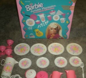 1994 BARBIE PORTABLE PLAYMATES  41 PC DISHES WITH ORIGINAL BOX