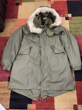 Vintage US Army Extreme Cold Weather Parka w/ Liner & Hood Size Medium Fish Tail