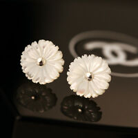 New 925 Sterling Silver White Mother of Pearl Chrysanthemum Flower Stud Earrings