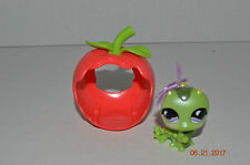 Littlest Pet Shop~#829~Inchworm~Green Metallic~Purple Moon Eyes~Apple House