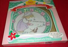 *Precious Moments Holiday Collector Plate *winters song* enesco 1995 porcelain