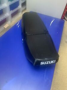 SUZUKI GS 125 GS125 BACK COMPLEASE SEAT WITH BASE AND BRACKETS