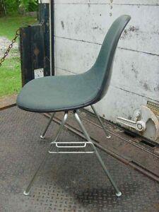 Herman Miller Fiberglass MID CENTURY MODERN Chair Upholstered Teal, Brown Shell