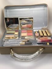 ESTEE LAUDER MAKEUP GIFT SET WITH COSMETIC CASE