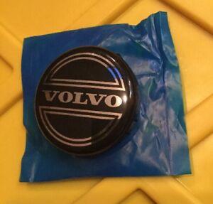 1998-10 Black Volvo C30 C70 S40 S60 S80 V40 V50 V70 XC70 XC90 Center Cap 3546923