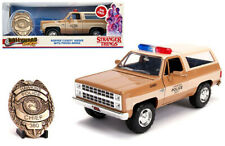 CHEVROLET BLAZER WITH POLICE BADGE HOOPER STRANGER THINGS 1/24 BY JADA 31111