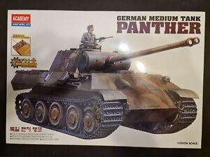 Academy (Tamiya molds) 1/25 kit #1338 (TA041-27000) Panther Ausf. A (Motorised).