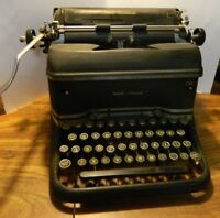 Vintage Mid Century Smith Corona Silent Secretary Typewriter Good Condition