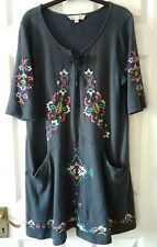 Women's Yumi Grey Embroidered Tunic Dress Top Short Sleeve Medium