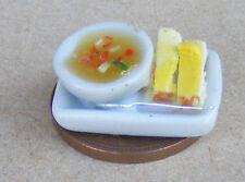 1:12 scala BRODO scozzese in una ciotola in ceramica DOLLS HOUSE miniatura Accessorio alimentare