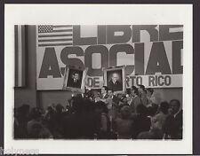 VINTAGE PRESS PHOTO / GOV. RAFAEL HERNANDEZ COLON / PUERTO RICO / 1980's / #11