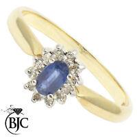 Bjc 9Ct Oro Amarillo Zafiro y Diamante Tamaño P Anillo de Compromiso R52