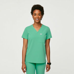 NWT FIGS Women's Surgical Green Catarina One Pocket Scrub Top Large