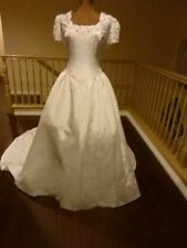 Lace Unbranded Wedding Dresses