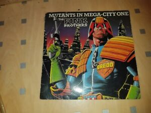 2000AD 7 inch collectors edition vinyl Fink Brothers Mutants of Mega City One