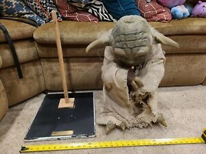 Star Wars Life-size Yoda Limited Edition Very Realistic illusive concepts statue