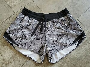 Lululemon Hotty Hot Shorts Black White Dottie Tribe Size 6