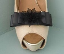 2 Grigio Scuro con Fiocco Clip Per Scarpe con centro nero fiore