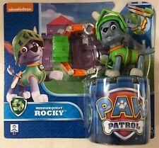 PAW PATROL ROCKY CON ACCESSORIO cagnolino 6026592 Spinmaster -nuovo-Italia