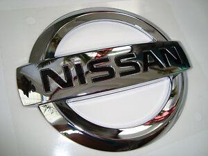 Chrome Nissan Frontier Emblem slight Shelf Wear  Pathfinder  90891-EA800